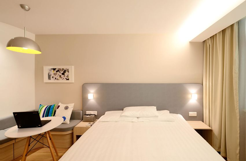 guest room space-saving tips