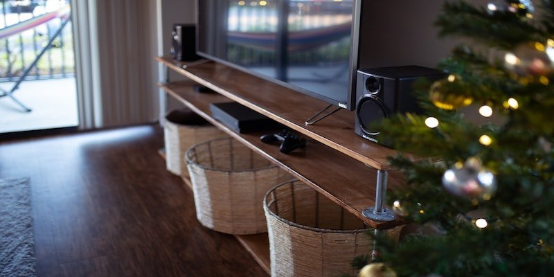 Best Metal TV Stand