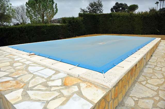 Mesh pool covers